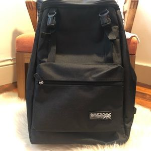 Handbags - Black backpack with front zip pocket